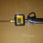 JO-LONG-MACHINE-INDUSTRIAL-CO-LTD-G102-OIL-GUN-WITH-DIGITAL-METER-RIGID-TIP-0